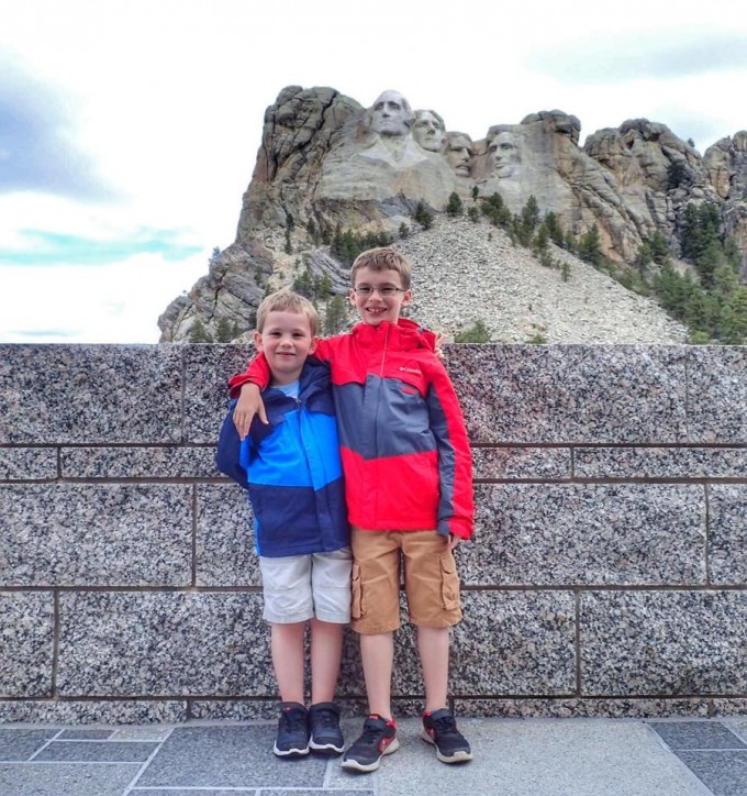 kids and mount rushmore
